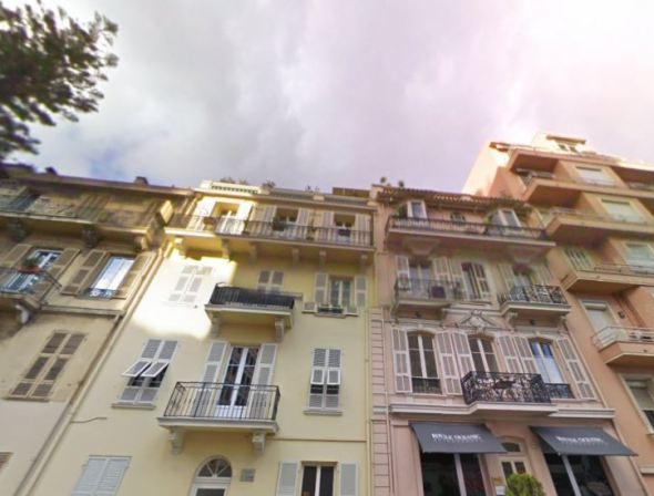 The villas on Rue Princesse Antoinette in Monaco, Berény painted their courtyard facing facades (research by Regina Saphier virtualhumanism.wordpress.com Image source: Google Street View)
