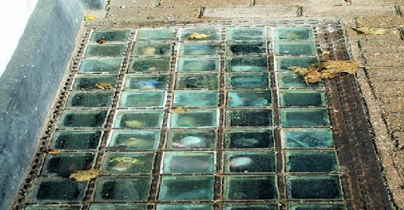 A Berény képén látható üvegtéglák hasonlóak lehettek 1905-ben.